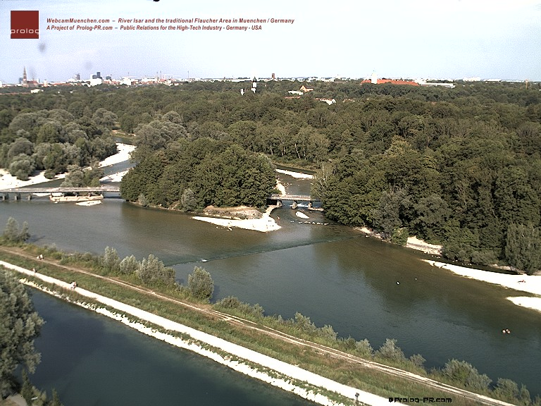 webcam : WebcamMuenchen.com  -  River Isar and the traditional Flaucher Area in Muenchen / Germany